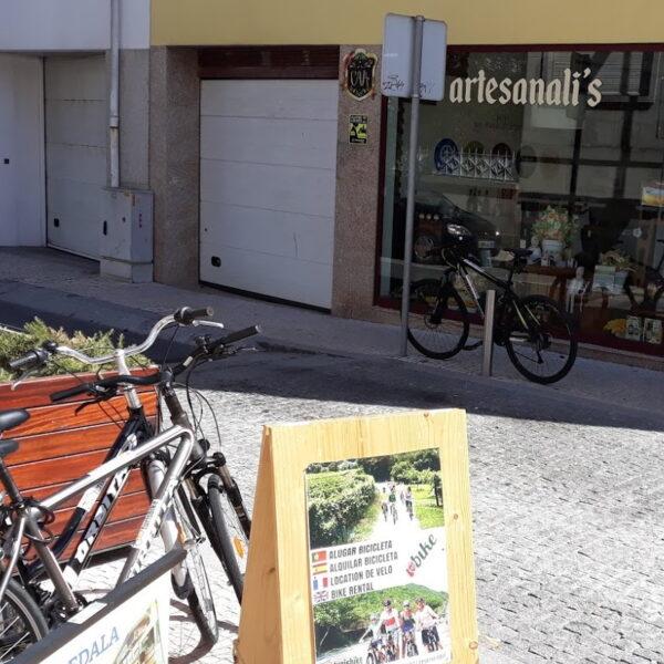 Em Póvoa de Varzim pode alugar bicicletas da Turisbike na Artesanali's