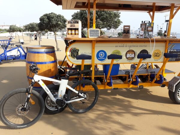Bicycle with 10 places to rent with driver